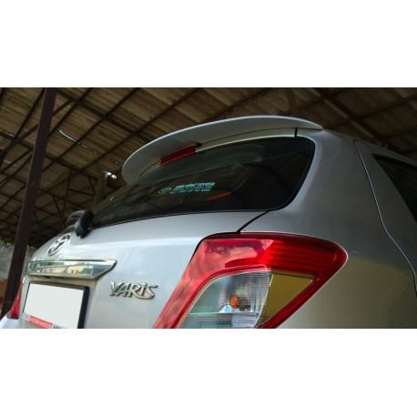 Spoiler alettone Toyota Yaris III