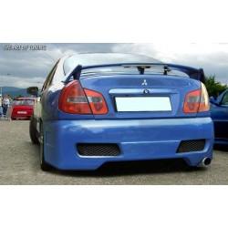 Paraurti posteriore Mitsubishi Carisma 00-04